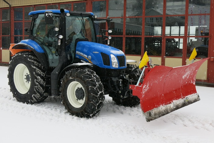 New Holland T6.150 AC im Winterdienst